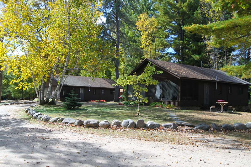 cullen-lake-cabins
